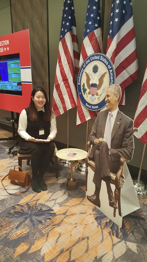 obama-seated