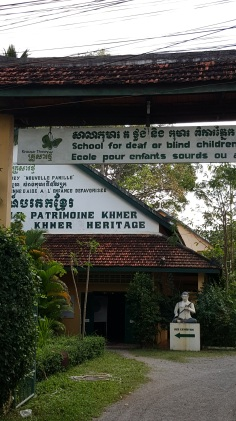 deaf-and-blind-school-sign
